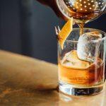 El irresistible whiskey con hielos de glaciar